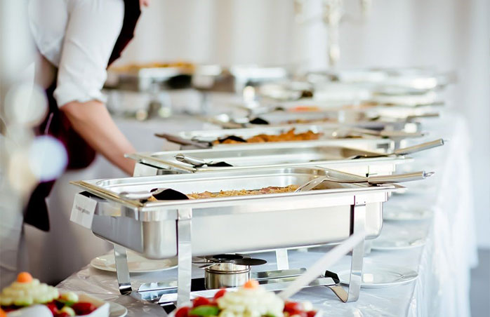 label your buffet dishes with favour tags